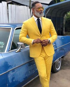 How to wear: yellow suit, white dress shirt, navy polka dot tie, yellow sunglasses Prom For Guys, Prom Suits For Men, Mode Masculine, Mens Fashion Suits, Mens Suits, Groom Fashion, Yellow Suit, Beautiful Suit, Formal Suits