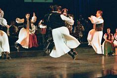 Hungarian dance--Google Image Result for http://www.hagyomanyokhaza.hu/pictures/0/00000437.jpeg