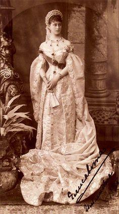 Grand Duchess Elizabeth Feodorovna in court dress, 1885