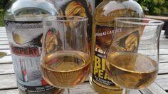 Whisky BIG PEAT Blended Malt 46° 1 Nez - tourbé, fumé pointe de réglisse et délicatement cendré.... 2 Bouche - Epices, poivre, girofle, maritime, sec.... 3 Finale - Bitume, herbes sèches, floral