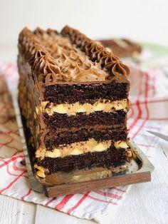 Tort Olivia, cu banane, unt de arahide și ciocolată – Chef Nicolaie Tomescu Mousse, Cake Recipes, Dessert Recipes, Yummy Cookies, Something Sweet, Food Styling, Cake Decorating, Bakery, Deserts
