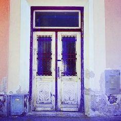 Door white and purple, @nicole_frauenfeld via Instagram
