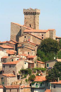 View of historic centre of Arcidosso, province of Grosseto, Tuscany, Italy Elba Island, Toscana Italia, Under The Tuscan Sun, Park Around, Tuscany Italy, Siena, Italy Travel, Places To Travel, Rome