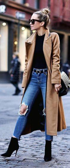 #winter #fashion / Camel Coat / Destroyed Skinny Jeans / Black Pumps / Black Knit