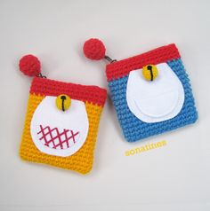 "Magic Bag  crochet mini purse size : 4"" x 4"""