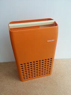 Tocadiscos Philips 22gf113. Vintage orange Philips record player. Turntable.