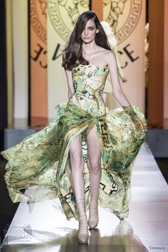 Get out of the way of this Versace fall 2012 couture strapless print gown.