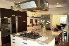 A fine Italian kitchen in Rome, Italy! Italian Kitchens, Rome Italy, Beautiful Kitchens, Luxury Homes, My House, Bathrooms, Kitchen Cabinets, Home Decor, Luxurious Homes