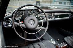 Mercedes 280 SL Mercedes Slc, Mercedes A Class, Mercedes Benz Amg, Modern Classic, Classic Cars, Mercedes Interior, Daimler Benz, Steyr, Car Interiors