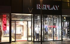 Replay has opened a flagship store in Beijing, marking the brand's first step into China. The 500 sqm shop is located on S8-15 of Sanlitun Village, a center where shopping and leisure meet entertainment and art.