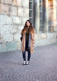 //SHOP THE LOOK // Wie man den gemütlichen Alltagslook stylt, zeigt uns Crew-Member Hafize. Shoppt den Look nach: http://liketk.it/2pNfH // Crew member Hafize shows us how to style a comfy everyday look. Shop the look: @liketoknow.it #liketkit