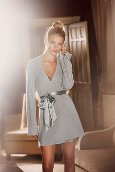 Loungewear - Photoshoot: Rosie Huntington-Whiteley for Vogue UK 2013 Vogue Uk, Rosie Huntington Whiteley, Rosie Whiteley, Rose Huntington, Lookbook Mode, Fashion Lookbook, Model Victoria, M And S Lingerie, Rosie For Autograph