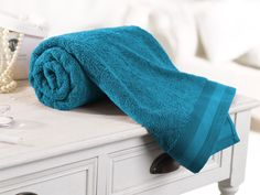 In this article, the most beautiful bath towels with you. Bath towels give a soft touch at your skin in the bathroom after a nice bath. A nice shower relaxes people. Then we established with soft bath towel. I love this feeling. Clean and nice smelling towels makes me happy.