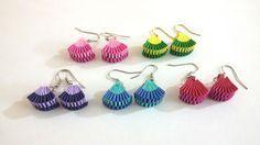 Learn how to make Paper Weaving Fan Shape Earrings Diy Origami Earrings, Paper Quilling Earrings, Origami Jewelry, Quilling Paper Craft, Paper Jewelry, Paper Beads, Quiling Earings, How To Make Rings, How To Make Paper