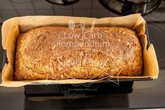 Low Carb Chia Sunflower Bread - Doesn& the chia sunflower bread look good? Low Carb Bread, Low Carb Keto, Keto Bread, Low Carb Recipes, Cooking Recipes, Healthy Recipes, Law Carb, Filling Food, Inexpensive Meals