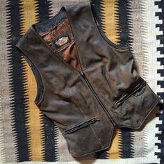 Vintage Harley Davidson Women's size M distressed dark brown lined zippered leather vest, women's vintage motorcycle biker vest clothing,
