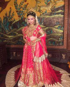 "starplus: ""Her elegant attire and her pleasing smile adds a charm to her immense beauty. Isnt it? #VivahUtsav #SiyaKeRam #Sita #Smile #Bride #WeddingLook"""