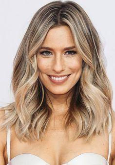 Medium Length Layered Wig For Round Face Ombre Hair, Blonde Hair, Medium Hair Styles, Short Hair Styles, Baliage Hair, Langer Bob, Mid Length Hair, Haircut And Color, How To Make Hair