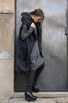 NEW Asymmetric Extravagant Black Hooded Sleeveless Coat от Aakasha