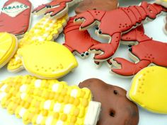 Lobster Boil Cookies  Not that I could ever achieve making cookies this intense, but they are super cute!