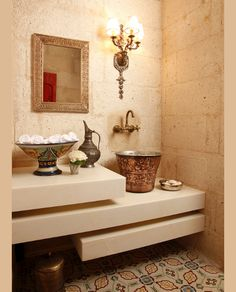 love this bathroom Decorating Your Home, Interior Decorating, Interior Design, Decorating Ideas, Mediterranean Bathroom, Cave Hotel, Hotels In Turkey, Home And Deco, Beautiful Bathrooms
