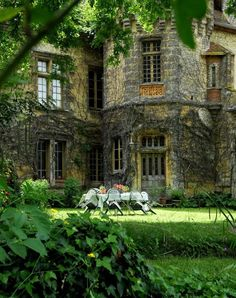 stay in an English manor for a month writing a novel Beautiful Buildings, Beautiful Homes, Beautiful Places, Beautiful Architecture, English Manor Houses, English Cottages, English Castles, English House, This Old House