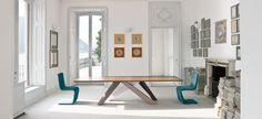 Big Table is een bijzondere tafel ontworpen door Alain Gilles. Deze eetkamertafel van het merk Bonaldo heeft in 2009 de Good Design Award gewonnen. De eetkamertafel is verkrijgbaar in vier verschillende afmetingen (lengte van 200 cm, 220 cm, 250 cm en 300 cm). De tafel is verkrijgbaar in vele houtsoorten en afwerkingen.
