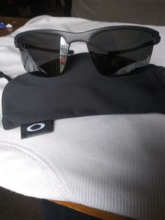 8c30e581af0b5d OAKLEY CARBON BLADE POLARIZED LENS 9174-03  fashion  clothing  shoes   accessories