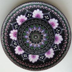 Dot Art Painting, Pottery Painting, Tole Painting, Fabric Painting, Mandala Drawing, Mandala Painting, Mandala Dots, Mandala Design, Point Paint