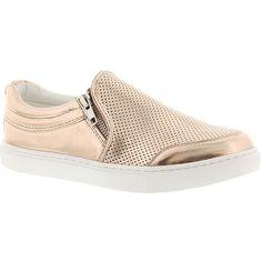 Steve Madden Ellias ($70) ❤ liked on Polyvore featuring shoes, rose gold, rose gold shoes, steve madden, steve-madden shoes and steve madden footwear
