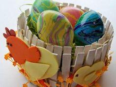 Lavoretti per Pasqua con le mollette per il bucato. 20 idee da copiare! Watermelon, Fruit, Desserts, Crafts, Food, Clothes, Home, Art, Artist
