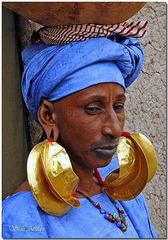 ::::♡ ♤ ✿⊱╮☼ ♧☾ PINTEREST.COM christiancross ☀❤ قطـﮧ ⁂ ⦿ ⥾ ⦿ ⁂  ❤U •♥•*⦿[†] ::::  Mali: Tribal fashion - Mopti, Mopti  - Guinea Bissau