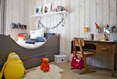 wood in child's room - the boo and the boy: decor