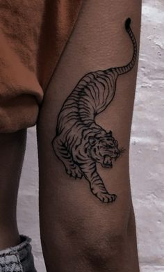 Side Foot Tattoos, Small Chest Tattoos, Tiny Tattoos For Girls, Cute Tiny Tattoos, Dainty Tattoos, Dope Tattoos, Mini Tattoos, Tattoos For Guys, Tatoos