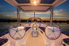 Cruising sailboat / open transom / twin steering wheels - 40 - Marlow Hunter - Videos