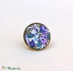 Lila virágos textilgombos gyűrű, Ékszer, óra, Gyűrű, Meska