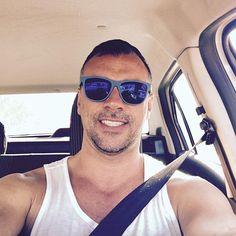 Último día en montevideo.... #thelastday #montevideo #driving  #bigboy #man #insta #picoftheday #travel #lovetotravel #city #uruguay #gafas #opticagranviabcn #loveit #happy