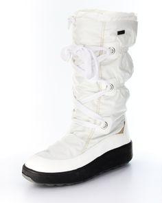 Haben Sie im Winter auch ständig eiskalte Füße? Wenn's mal wieder stürmt und schneit, Sie aber auf ein modisches Auftreten nicht verzichten wollen, ist der Stiefel von ConWay genau das Richtige. ConWay, Damen Boots (Snowboot) – Adriana – white; Jetzt in 360° Ansicht, nur auf PLAZA51!