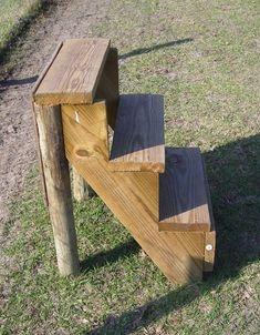 Lorien Stable - Mounting Block