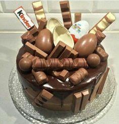 Image de chocolate, kinder, and cake Sweet Recipes, Cake Recipes, Kreative Desserts, Drip Cakes, Celebration Cakes, Chocolate Recipes, Chocolate Cake, Chocolate Birthday Cakes, Chocolate Liquor