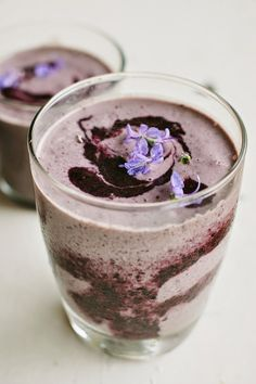 Vegan Blueberry Power Smoothie by my darlinglemonthyme #Smoothie #Blueberry #Power Healthy