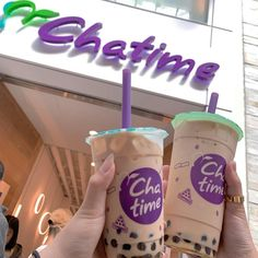 Bubble Tea Shop, Bubble Milk Tea, Fun Drinks, Yummy Drinks, Food Places, Aesthetic Food, Cute Food, Party Snacks, Snack Recipes