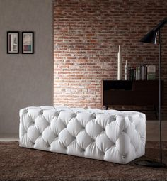 Divani Casa Maria Modern White Eco-Leather Bench w/ Crystals VG2T020298-WHTCRYProduct :72132Features :Upholstered In Eco-LeatherColor: White 6892Tufted With CrystalsDimensions :Bench: W54