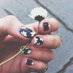 Daisy Nails ❤