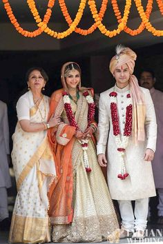 Soha Ali Kjan and Kunal Khemu's Wedding Reception Photos bollywood Sherwani For Men Wedding, Wedding Dresses Men Indian, Wedding Outfits For Groom, Groom Wedding Dress, Bridal Outfits, Groom Dress, Bridal Dresses, Wedding Reception, Couple Wedding Dress