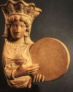 Throughout the history of antiquity there have been numerous instances where art has interacted with ancient discoveries to forge new art trends Ancient Goddesses, Greek Gods And Goddesses, Statues, Ancient Discoveries, Drums Art, Queen Of Heaven, Mother Goddess, Sacred Feminine, Goddess Art