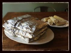 http://www.100daysofrealfood.com/2013/05/21/recipe-grilled-meat-veggie-foil-packets-camping/  #dinner