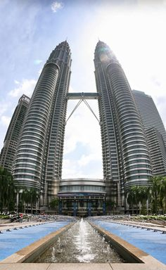 New post on breathtakingdestinations Kuala Lumpur Tour, Kuala Lampur, Petronas Towers, Malaysia Travel, New City, Beautiful Buildings, Cool Places To Visit, The Good Place, Travel Photography