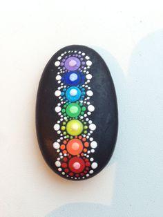 Mandala Dot Art Painting, Mandala Painting, Pebble Painting, Pebble Art, Stone Painting, Mandala Painted Rocks, Mandala Rocks, Rock Painting Ideas Easy, Rock Painting Designs