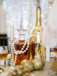 Glamorous Great Gatsby themed wedding decorations and centerpieces #wedding #gatsby #gold #goldwedding #centerpiece